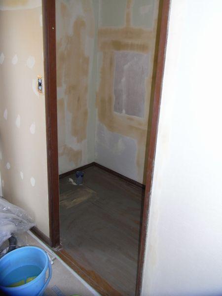 壁・床下地工事中