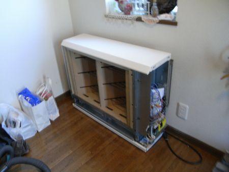 玄関蓄熱暖房器